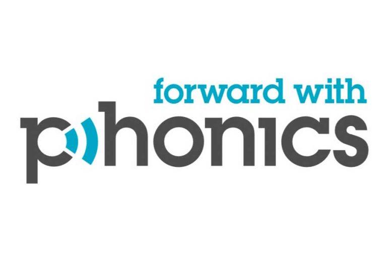 Forward with Phonics logo